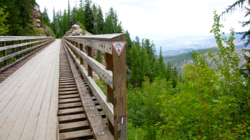 Hiking the old railway in Kelowna B.C.