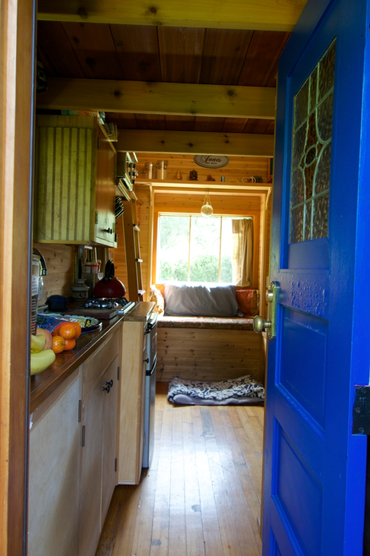Simply-Intentional-Tiny-House-Living-07