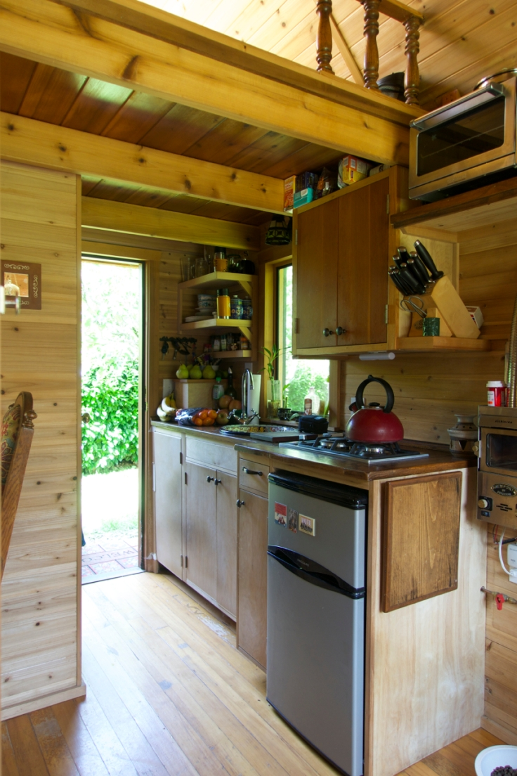 Simply-Intentional-Tiny-House-Living-11