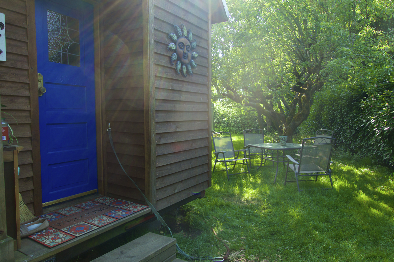 Simply-Itentional- Tiny-House-Living-Experience-05