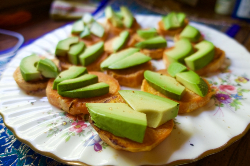 Sweet-potatoes-and-avocados-whole 30-simply-intentional